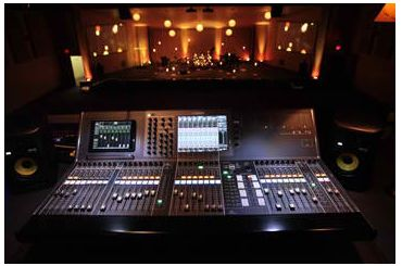 yamaha cl5. oaks community church, in goshen, indiana, holds contemporary worship services, and on any given sunday, serves 1,200 of its congregation. yamaha cl5
