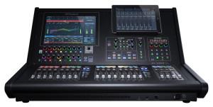 RolandProAV_M5000C_iPad